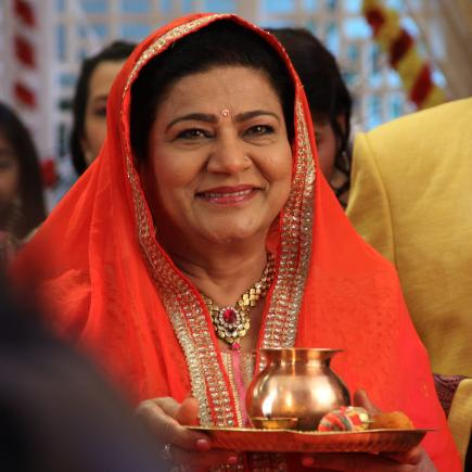"Shahnaz Rizwan on the set of the Indian television series ""Yeh Hai Mohabbatein_ (Balaji Telefilms) 1.JPG"