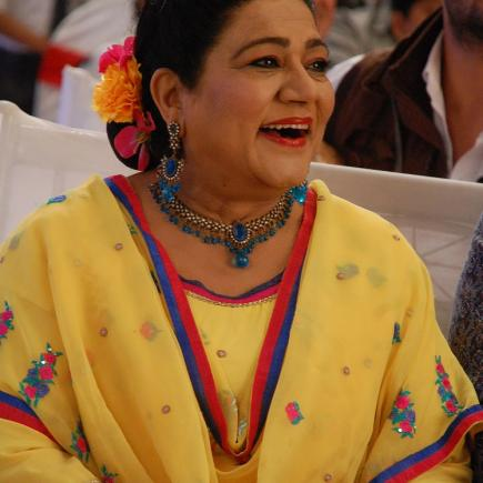 "Shahnaz Rizwan on the set of the Indian television series ""Yeh Hai Mohabbatein_ (Balaji Telefilms) 3 RESZIE.jpg"